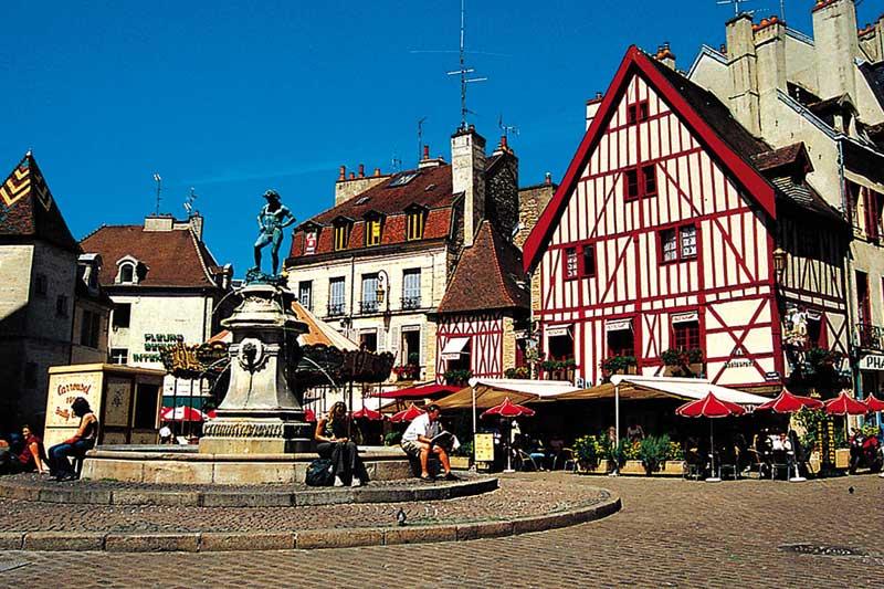 Hausbooturlaub in Burgund/Frankreich Burgundkanal / Dijon
