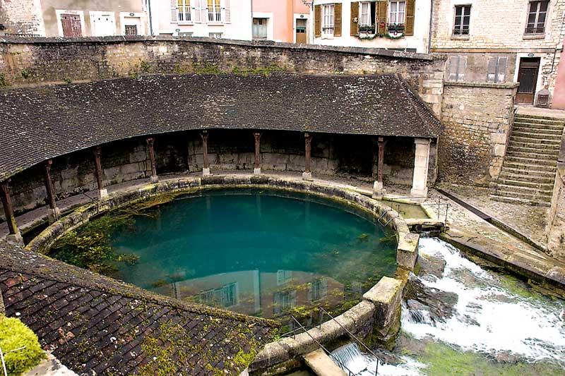 Hausbooturlaub in Burgund/Frankreich Burgundkanal /Tonnerre