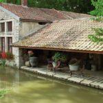 Hausbooturlaub in Burgund/Frankreich Burgundkanal Waschhaus